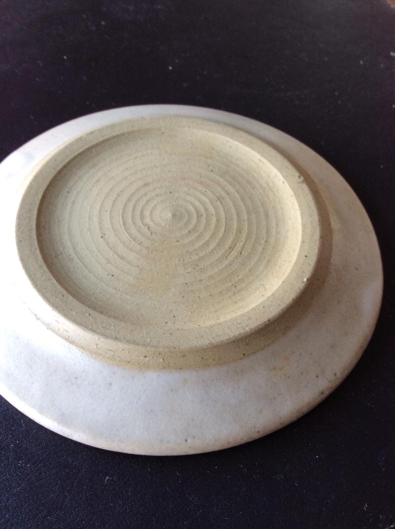 11cm dish, no mark, distinctive decoration? Image39