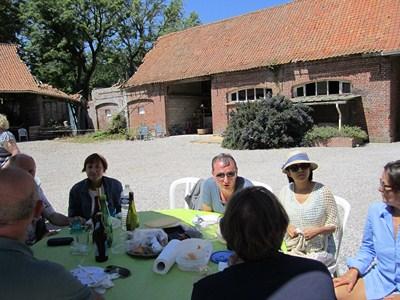On the last saturday of june: Polyglot picnic (Invitation) Piquen15