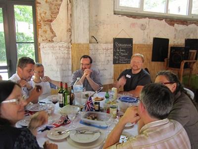 On the last saturday of june: Polyglot picnic (Invitation) Piquen24