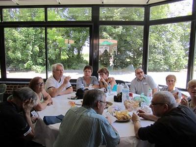 On the last saturday of june: Polyglot picnic (Invitation) Pn_310