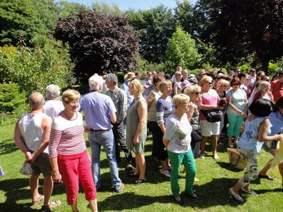 On the last saturday of june: Polyglot picnic (Invitation) Ut_110