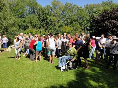On the last saturday of june: Polyglot picnic (Invitation) Ut_310