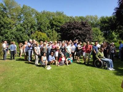 On the last saturday of june: Polyglot picnic (Invitation) Ut_411