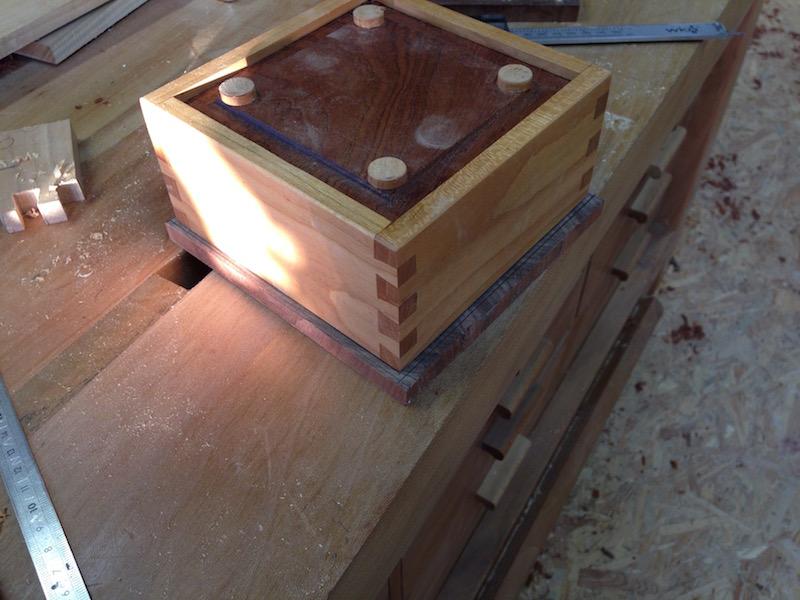 Une petite boite Img_4035