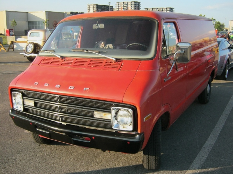 dodger tradesman 1976 Dodge_11