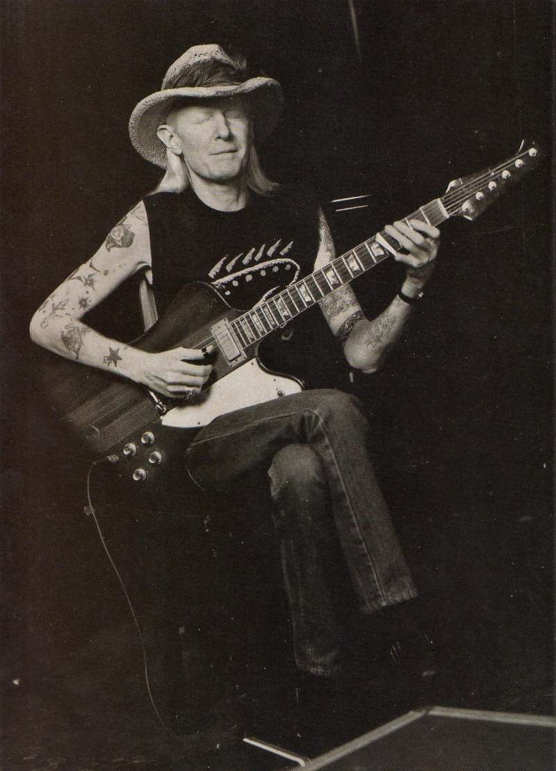 Johnny Winter - Page 3 Img06210