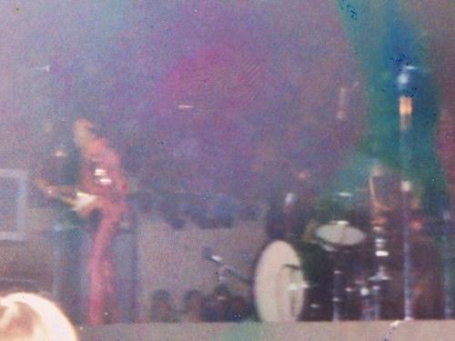 Fort Worth (Will Rogers Coliseum) : 9 mai 1970  Jimi_f11