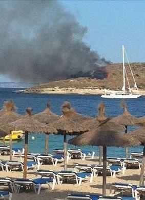 fire on isla porassa  Island13