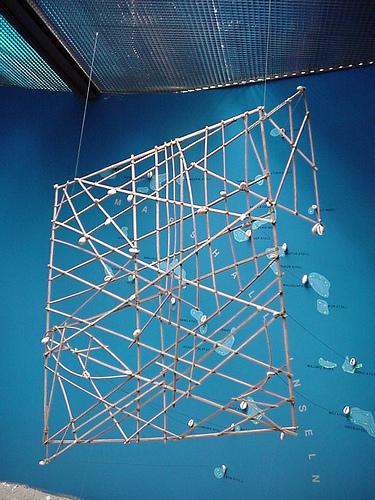 """Les cartes en bâtonnets, ou """"stick charts"""" des Iles Marshall (devinette dédiée à Northman) - Page 8 22405010"""