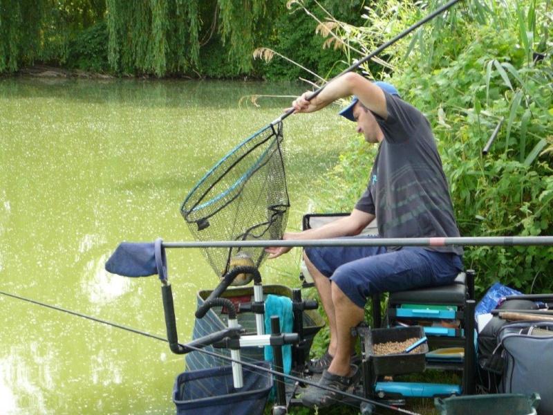 Festival de pêche sur le plan d'eau de Chuzelles (38) 13 et 14 juin P1150531