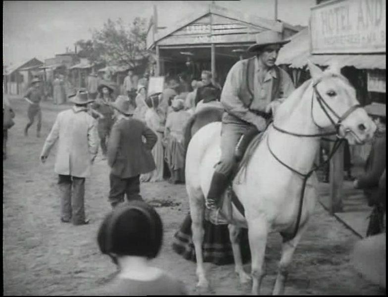 Diamond City- 1949- David Mac Donald Vlcsna62