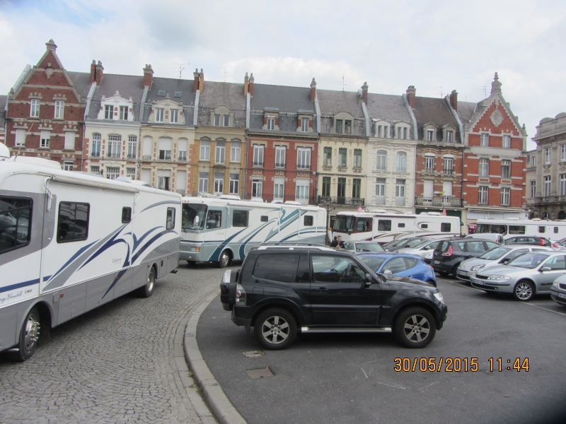 Tous prêt pour la parade à Cambrai Img_5512