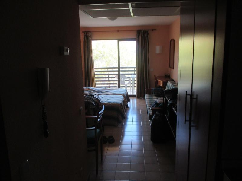 Hawaii Torrenova Apartments Part 1. Our Studio. 00610