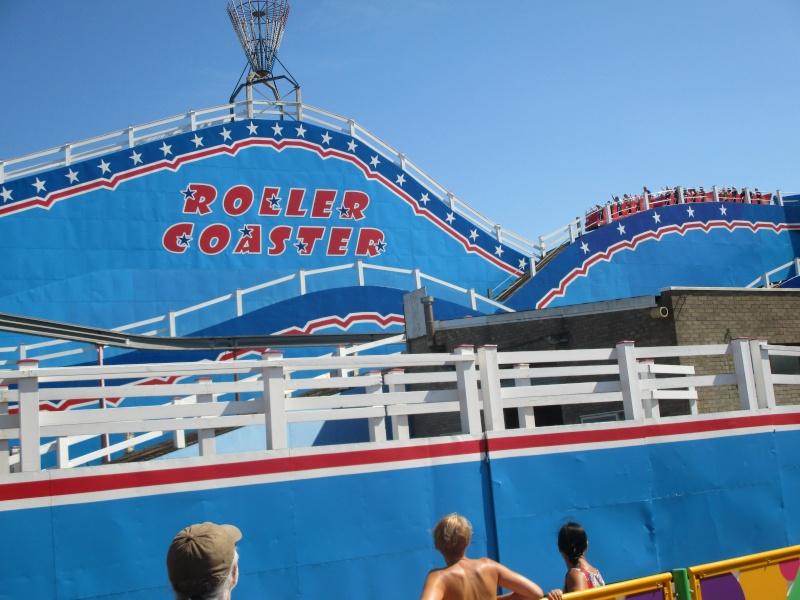 Pleasure Beach & Joyland Fun Fairs Gt. Yarmouth. 09410