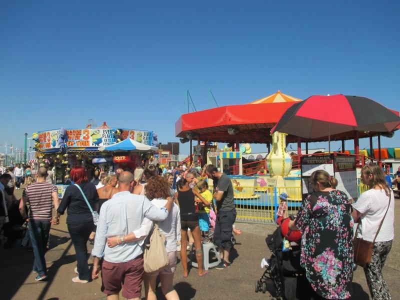 Pleasure Beach & Joyland Fun Fairs Gt. Yarmouth. 10310
