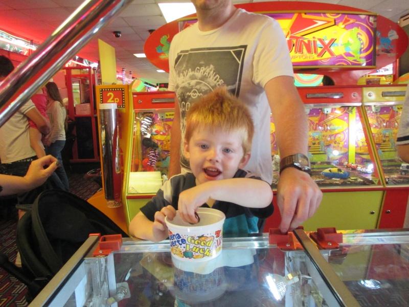 Pleasure Beach & Joyland Fun Fairs Gt. Yarmouth. 11610