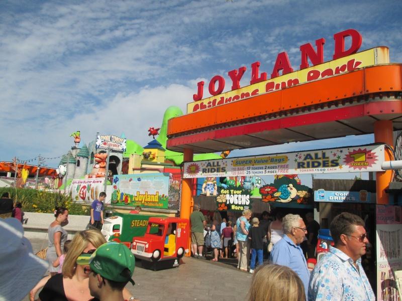 Pleasure Beach & Joyland Fun Fairs Gt. Yarmouth. 12211