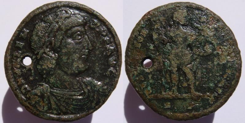 Grand bronze de Valens : ae1 ou médaillon ? Valens14