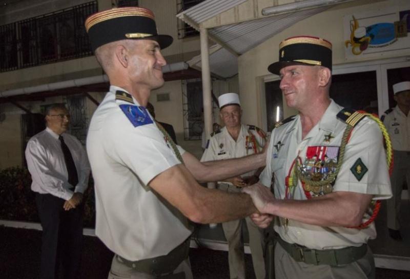 passation de commandement du 3e régiment étranger d'infanterie Captur10