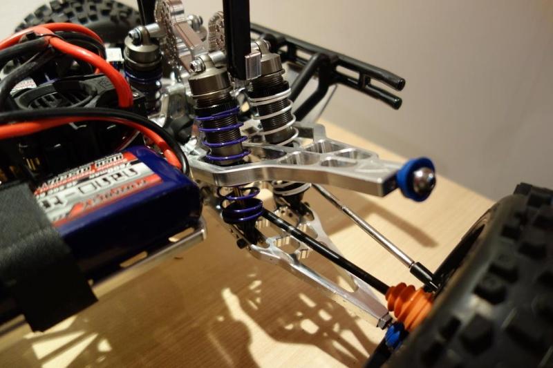 Problèmes transmission E-maxx - Déboitement Rotule Dsc03510