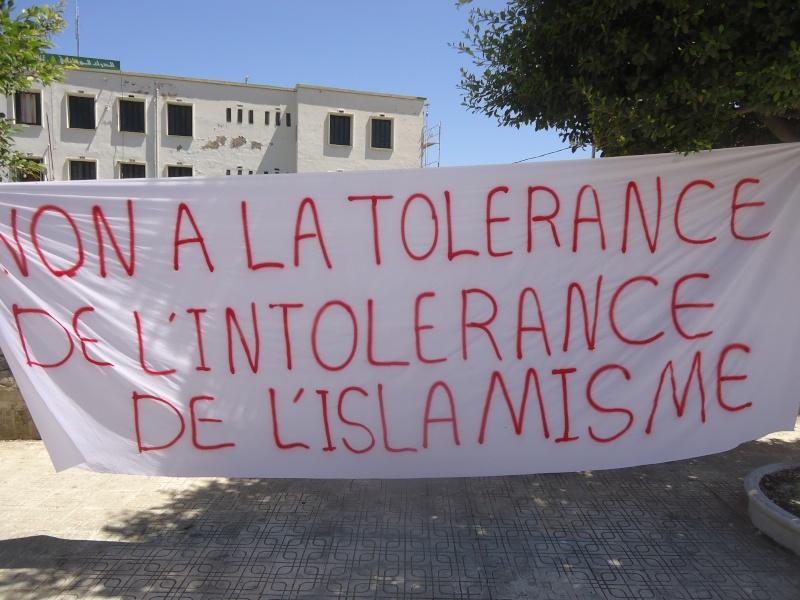 Rassemblement pour la liberté de conscience et contre l'islamisme. Dsc04111