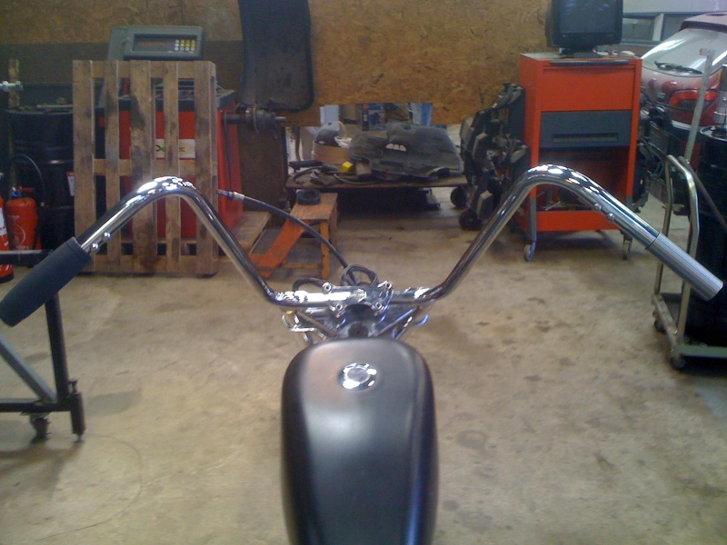 transfo d'un fat boy en chopper - Page 6 Img_6813