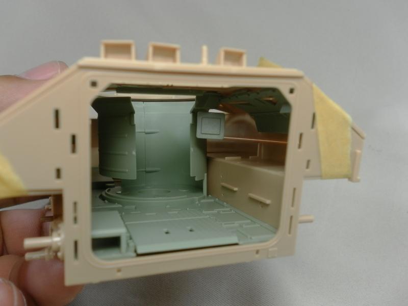 M2A3 Bradley  de MENG au 1/35° Sam_3221