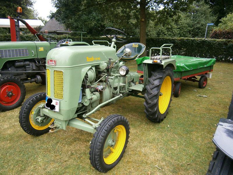 Resi i hol di mit dem Traktor ab P7140010