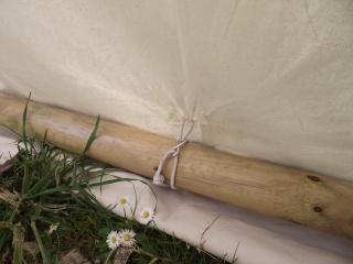 Réalisation d'une échoppe/tente viking - Page 2 Dscf5610