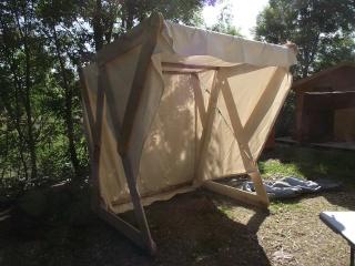 Réalisation d'une échoppe/tente viking - Page 2 Dscf5612