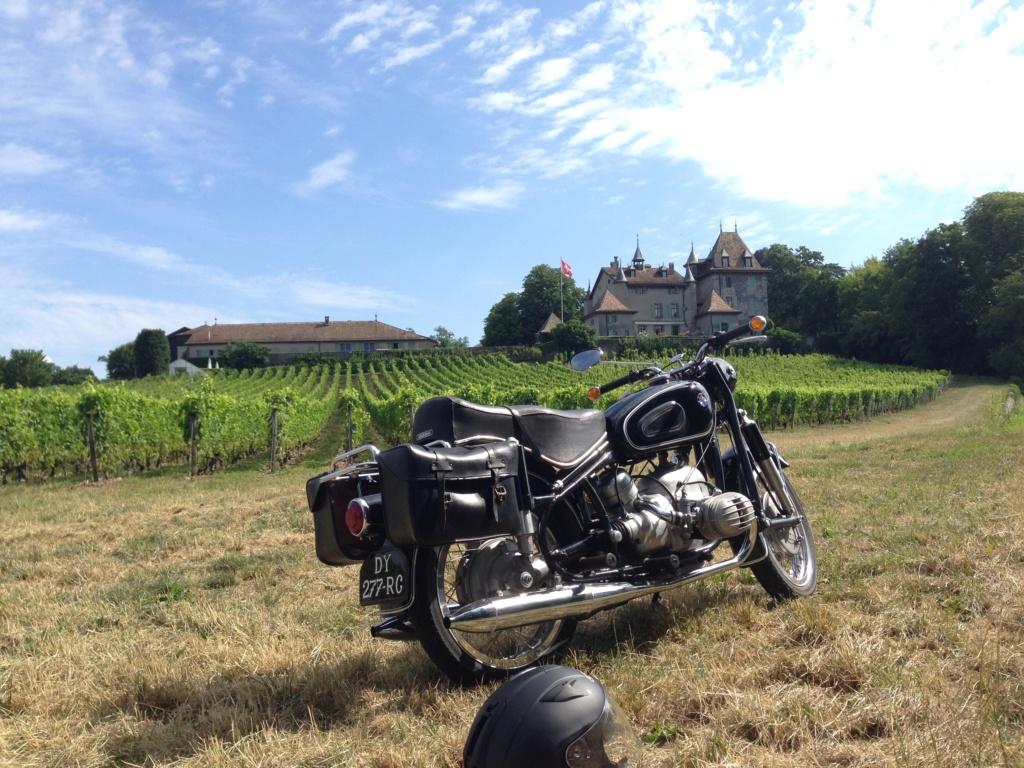 Photos de vous et de votre moto devant ....un château  - Page 17 Img_0611