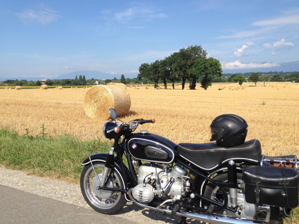 Photos de vous et de votre moto devant ....un château  - Page 17 Img_0612