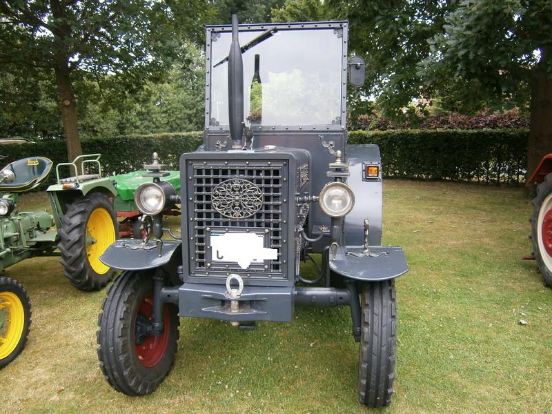 Resi i hol di mit dem Traktor ab P7140011