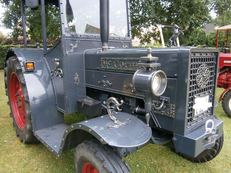 Resi i hol di mit dem Traktor ab P7140012