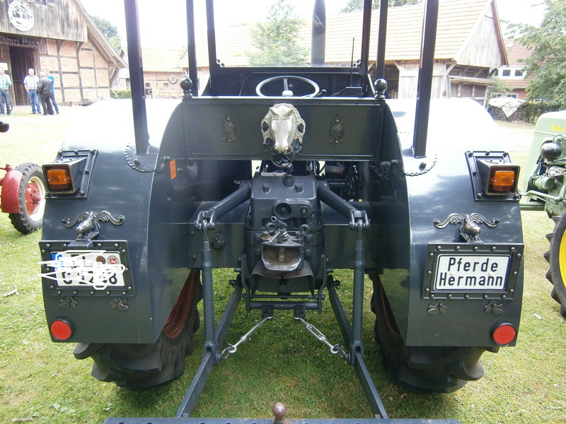 Resi i hol di mit dem Traktor ab P7140014