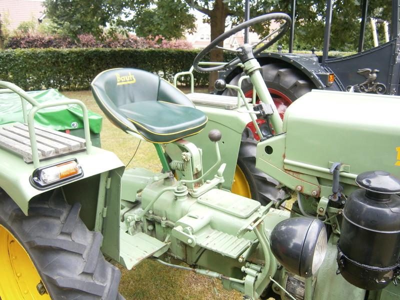 Resi i hol di mit dem Traktor ab P7140018