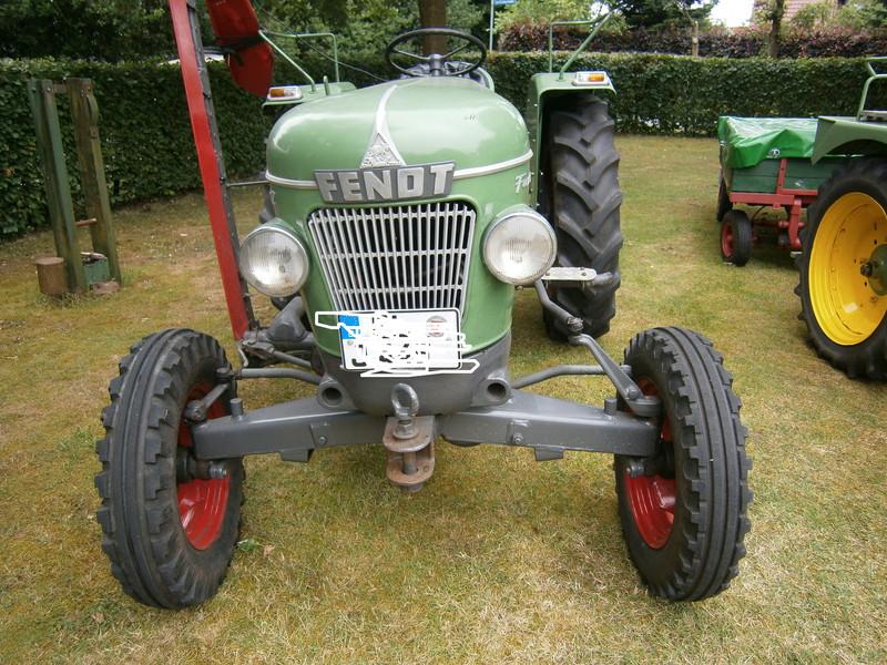 Resi i hol di mit dem Traktor ab P7140019