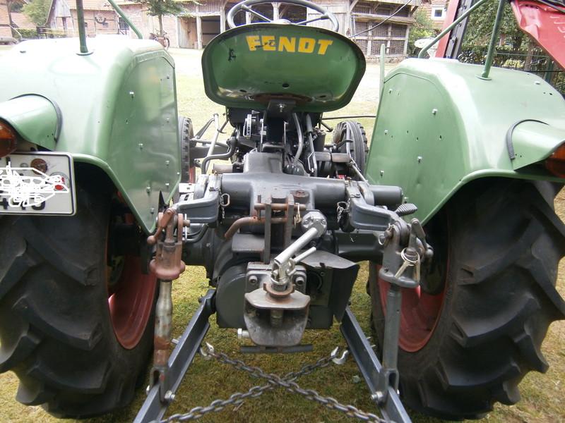 Resi i hol di mit dem Traktor ab P7140021