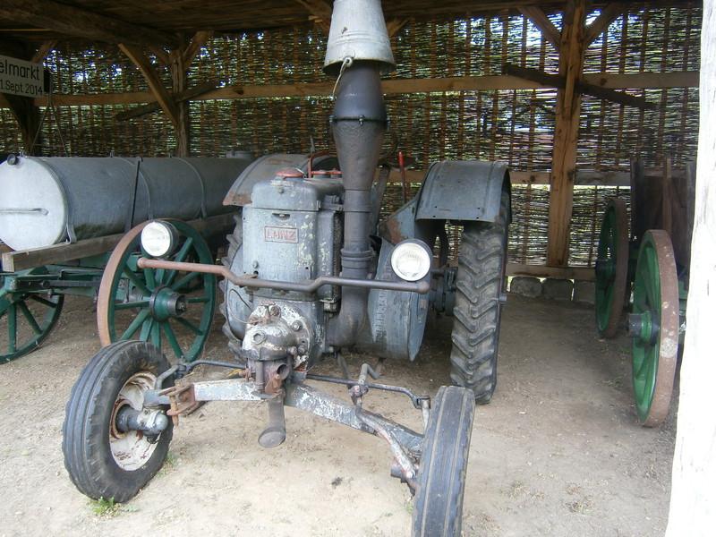Resi i hol di mit dem Traktor ab P7140026