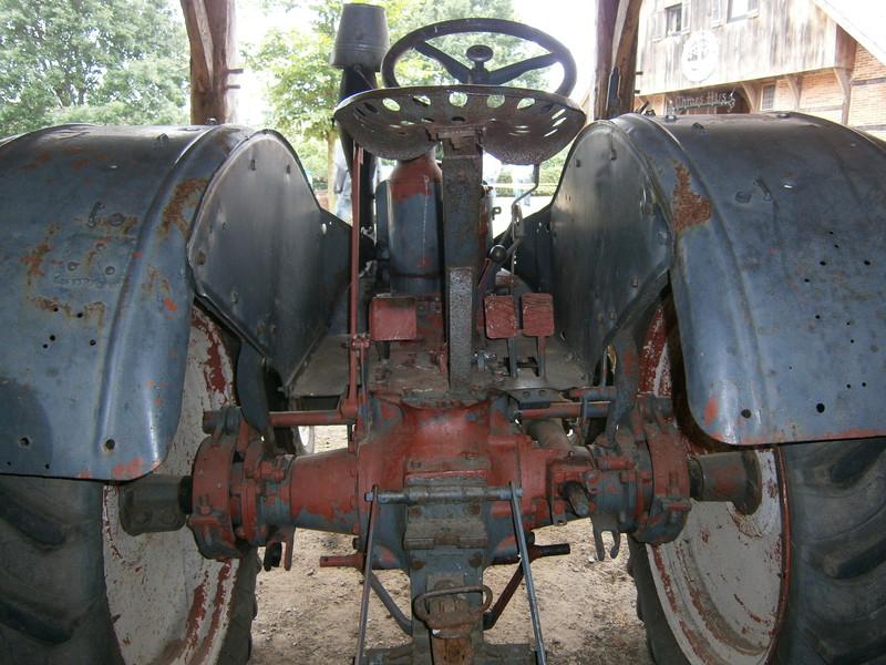 Resi i hol di mit dem Traktor ab P7140028