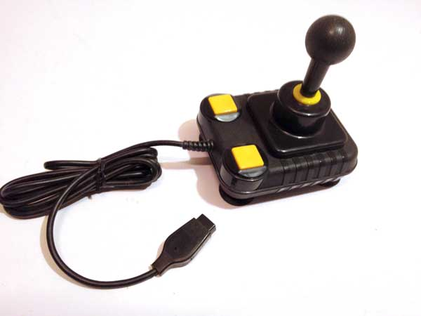 les joysticks oldschool en prise DB9 Super_10