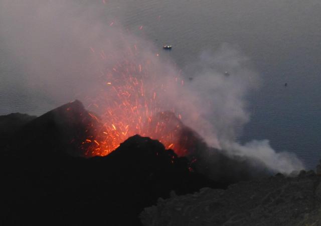 éruptions du Stromboli P1030418