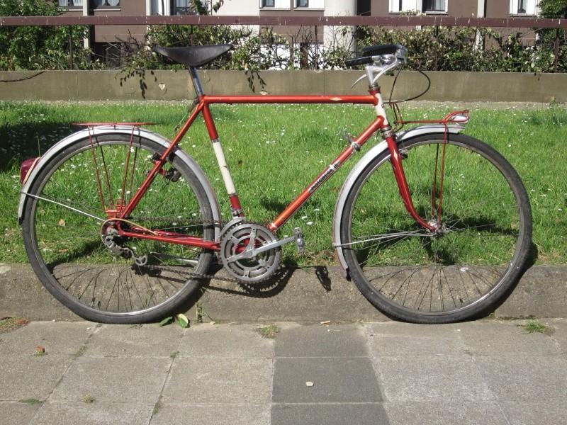Vélo de randonnée ou d'évacuation pour très petit budget  00810