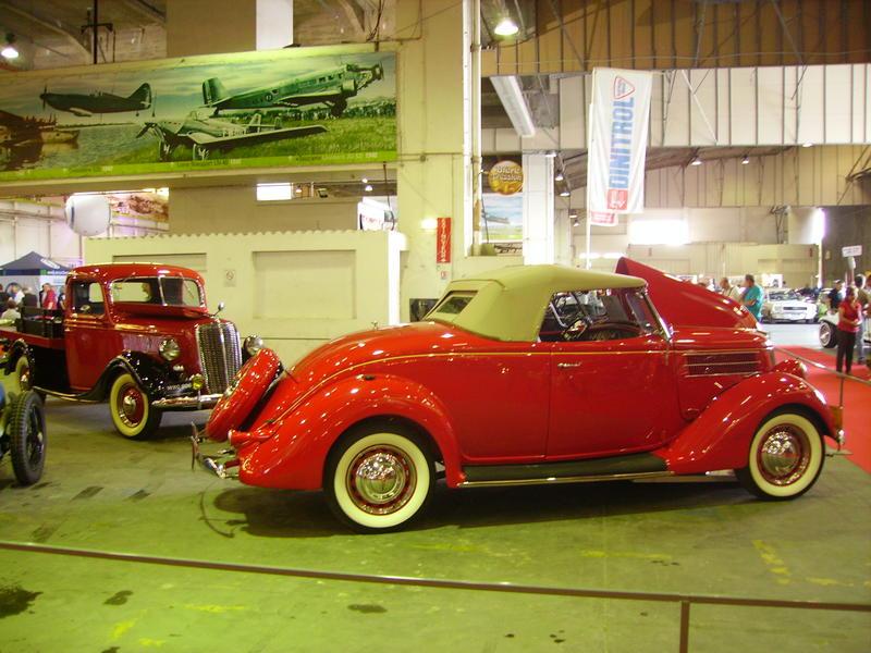 Rétro Auto Forum du Var à Fréjus - Page 3 Ford_111