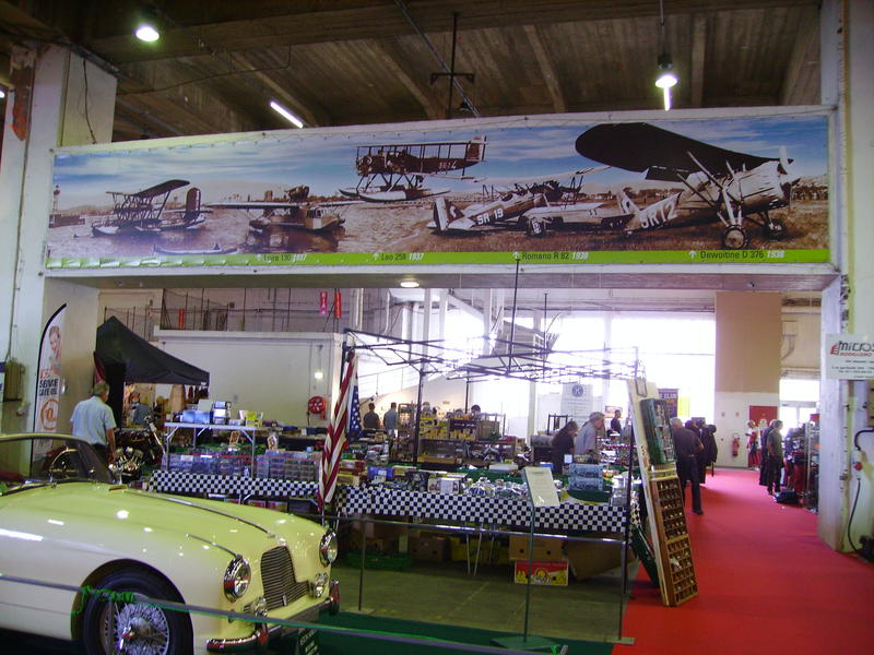 Rétro Auto Forum du Var à Fréjus - Page 3 Fresqu14
