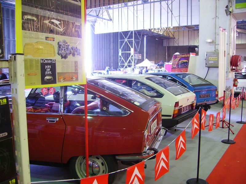 Rétro Auto Forum du Var à Fréjus - Page 3 Stand_25