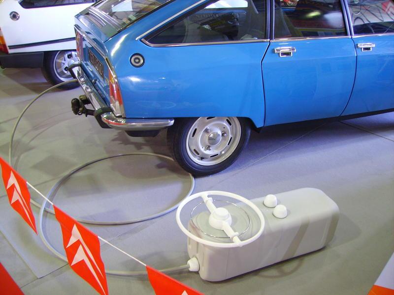 Rétro Auto Forum du Var à Fréjus - Page 3 Tylyco10