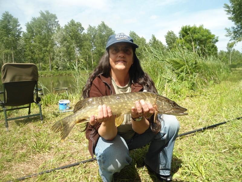 Mardi ,journée détente à notre étang ,,,, Dsc04124