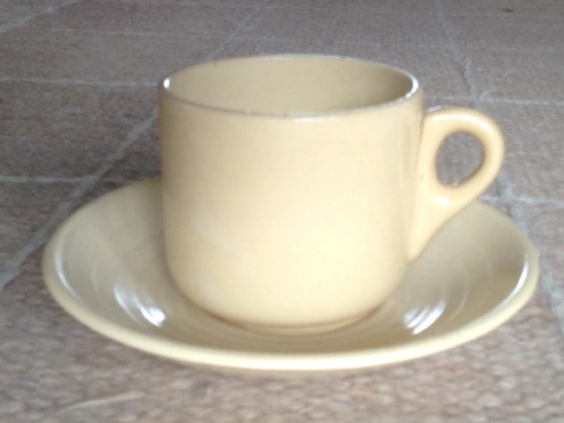 Ambrico e/w cups and saucers like smaller railway cups Xxx36110