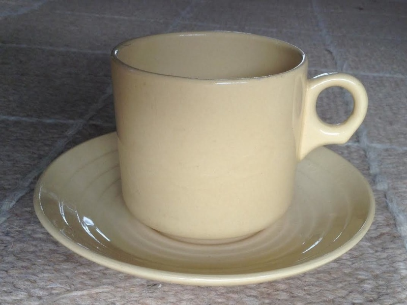 Ambrico e/w cups and saucers like smaller railway cups Xxxcar10